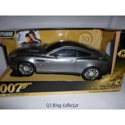 Voiture - James Bond 007 - 23 cm - Aston Martin Vanquish - Meurs un autre jour