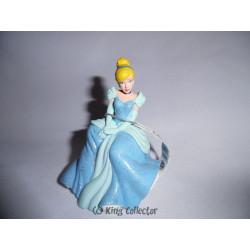 Figurine - Disney - Cendrillon - Cendrillon princesse assise - Bullyland